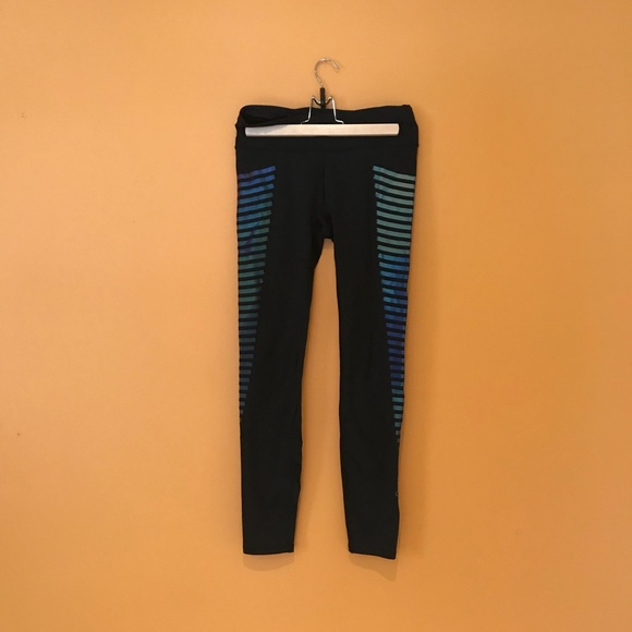 232768466e0fd GAP Pants | Fit Gfast Winterbrush Reflective Print Leggings | Poshmark